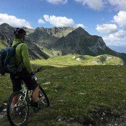 ¿Qué necesitas para disfrutar de las mejores rutas de bici de Cantabria?