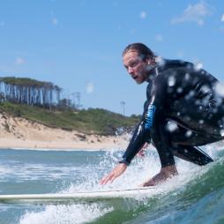 Cinco razones para apuntarse a un surf camp en Cantabria