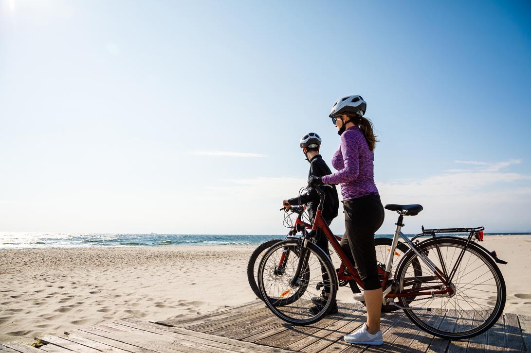 ¡Combina la bicicleta con paseos por la playa de Somo y Loredo, un arenal que termina en el Puntal!