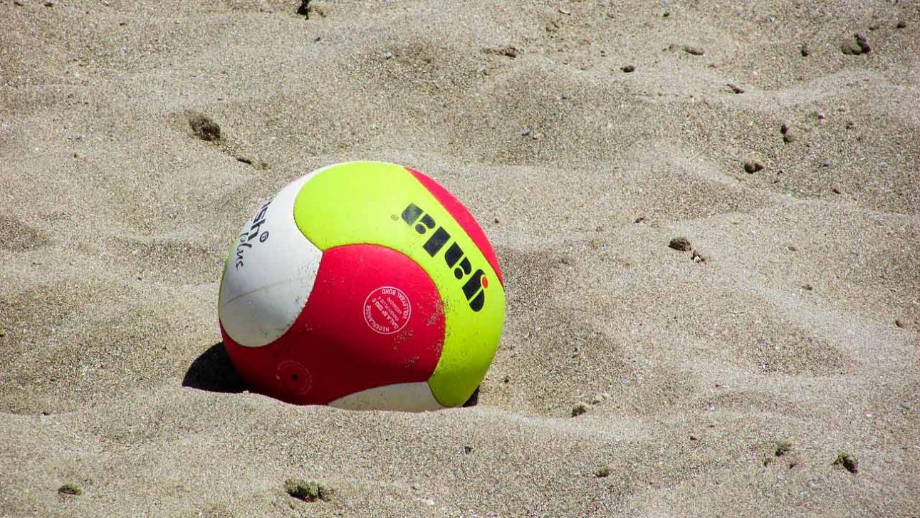 El volley playa es excitante, divertido y adictivo
