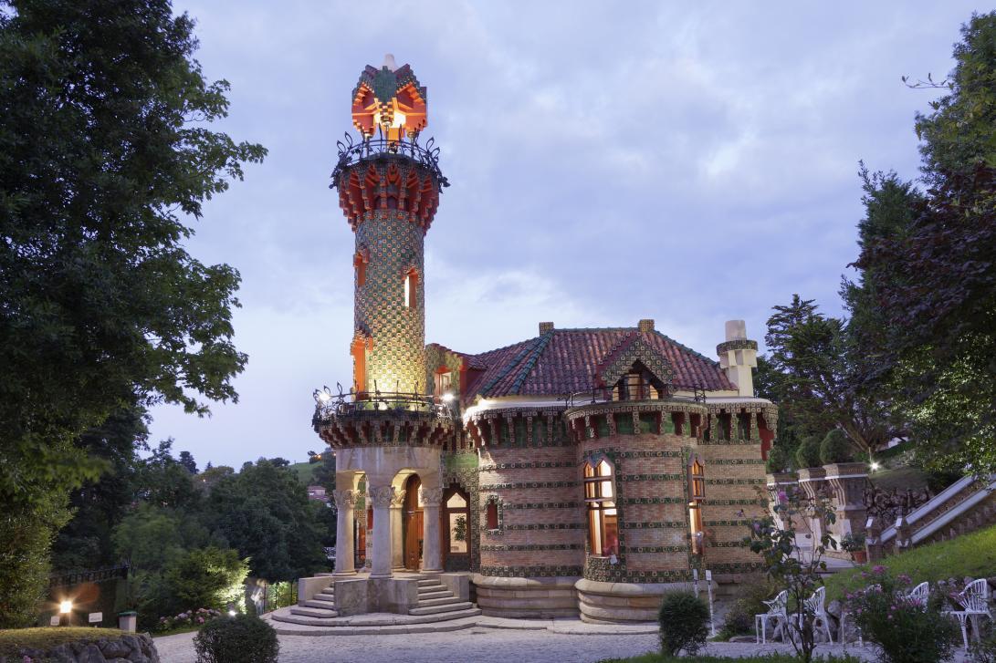 El Capricho de Gaudí en Comillas. Una de las pocas obras que proyectó Antoni Gaudí fuera de Cataluña.