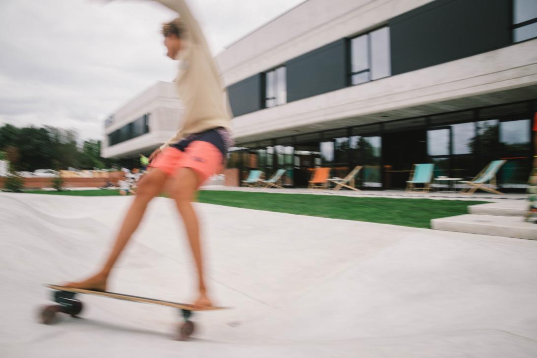 Diviértete con tus hijos practicando skate en cualquier lugar