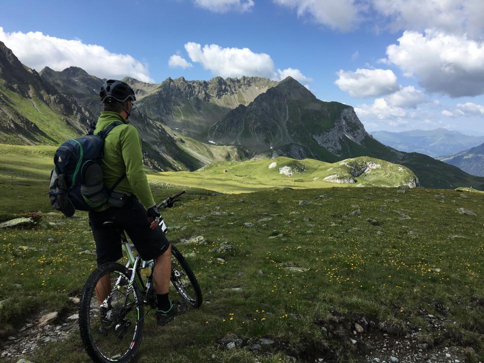 Tenemos cientos de kilómetros de ruta ciclable de gran belleza para que las disfrutes.