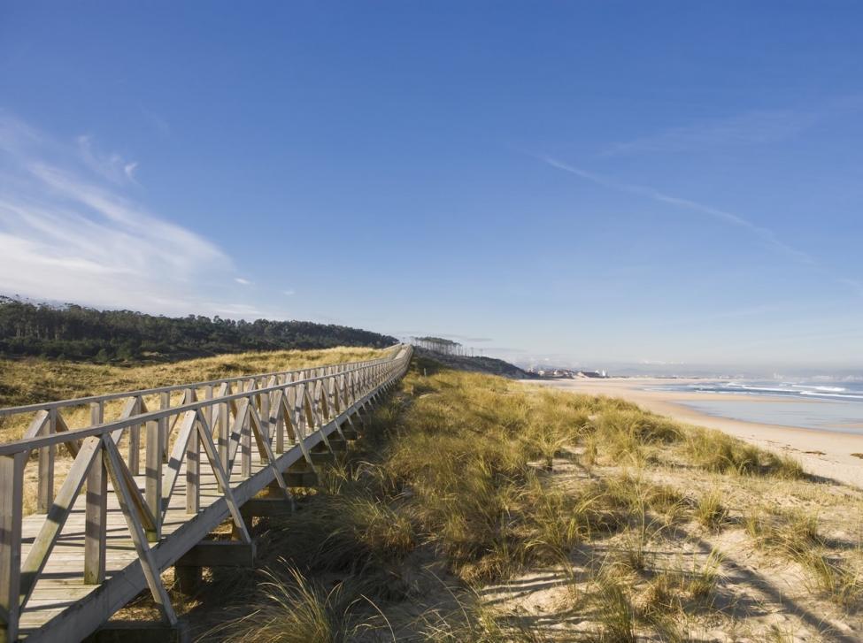El arenal Loredo-Somo-El puntal nos permite disfrutar de kilómetros y kilómetros ininterrumpidos de arena. Foto: Ayto. Ribamontán al mar