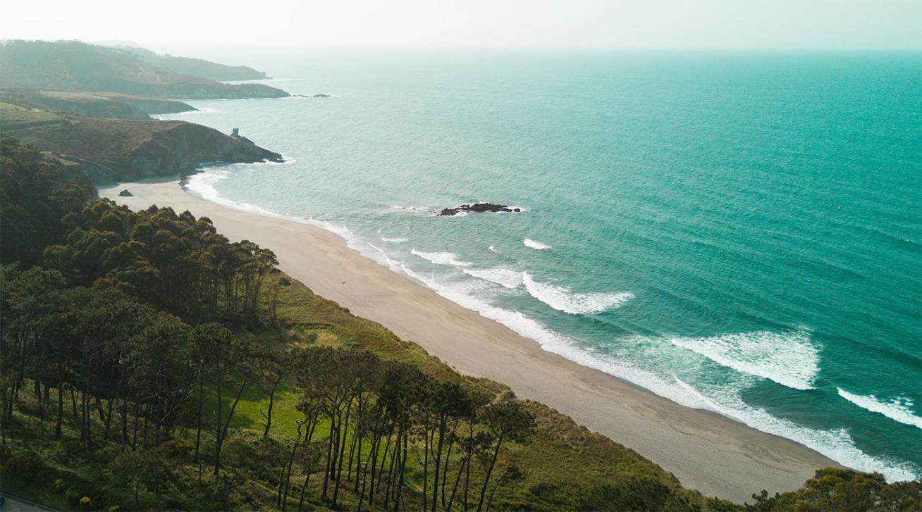 Las playas de Cantabria parece que te están esperando siempre.