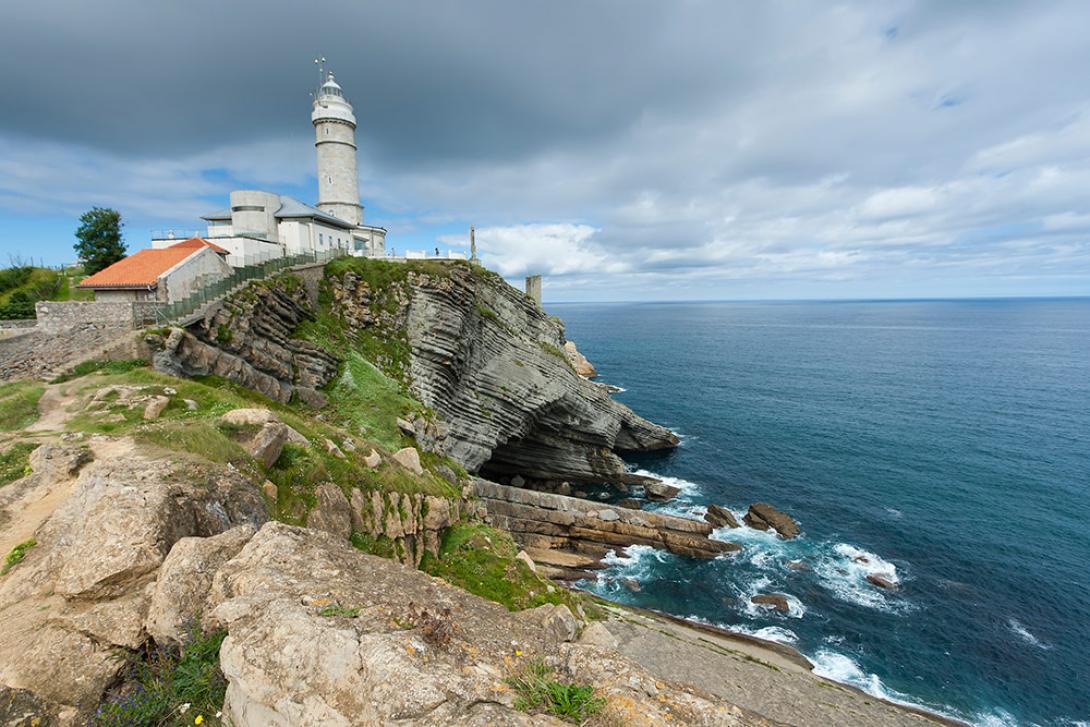 El Faro del Cabo Mayor de 1839 es uno de los iconos de la ciudad.