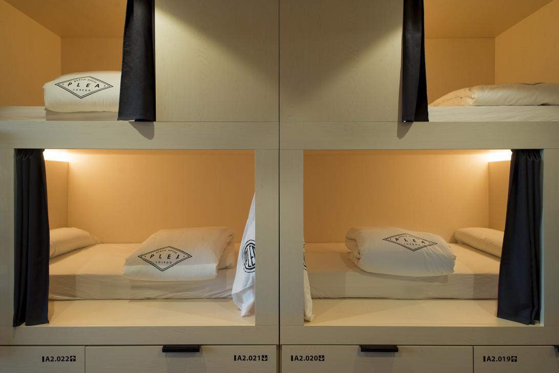 Todas las cápsulas incluyen sábana, toalla, edredón y almohada.